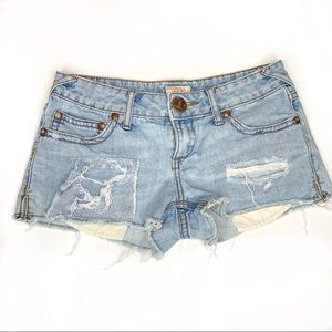 💕Free People cut off exposed pockets jean shorts